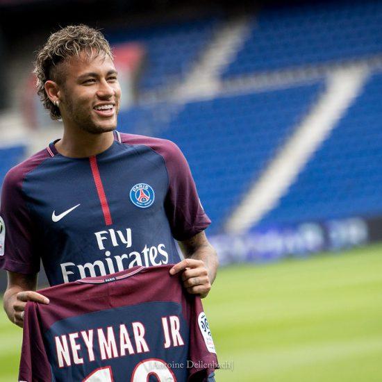 Alanvaihto: Neymar nähdään Netflixin hittisarjassa munkin roolissa! Jalkapallo Uncategorized Urheilu