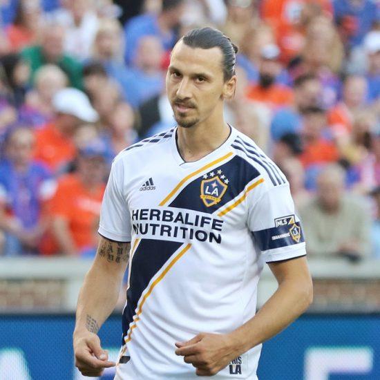 "Zlatan: ""Pystyisin helposti pelaamaan vielä Valioliigassa"" Jalkapallo Uncategorized Urheilu valioliiga"