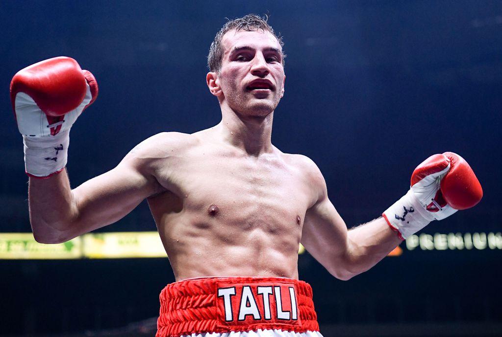 Tilipäivä koittaa! Edis Tatli kuittaa huippumatsista kuusinumeroisen palkkion – MM-ottelu kolminkertaistaisi liksan Kamppailulajit Urheilu